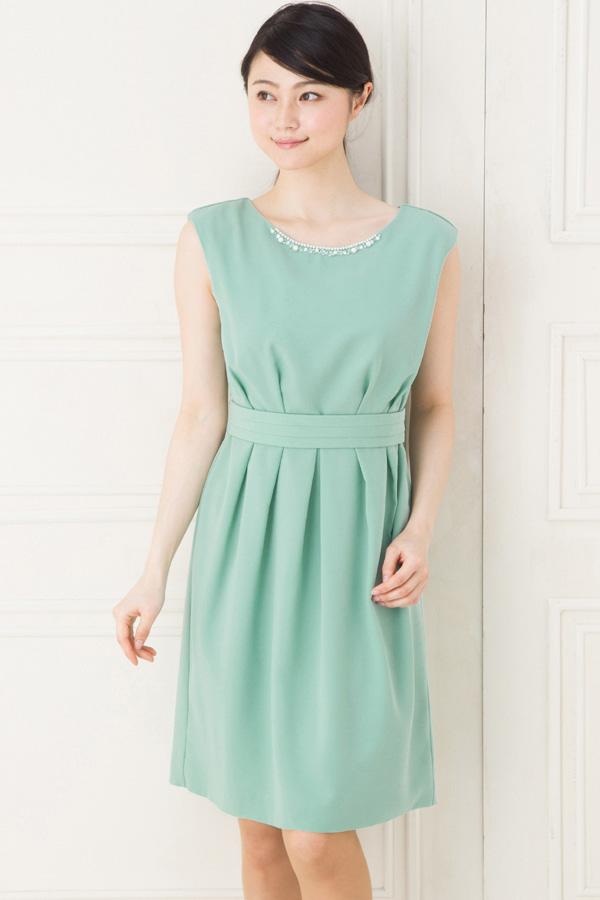 30代人気はグリーン!結婚式お呼ばれでの緑系ドレスのコーデ